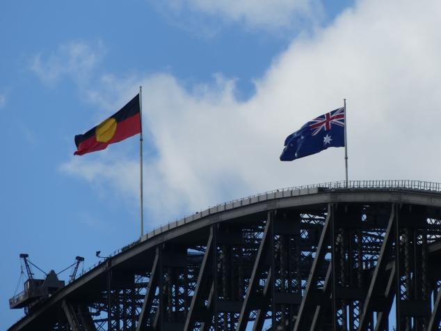 les deux drapeaux.JPG